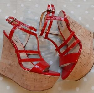 Guess cork wedge platforms  🌹👄